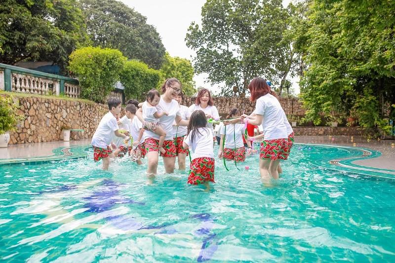 Tour Vresort Kim Bôi 1 ngày